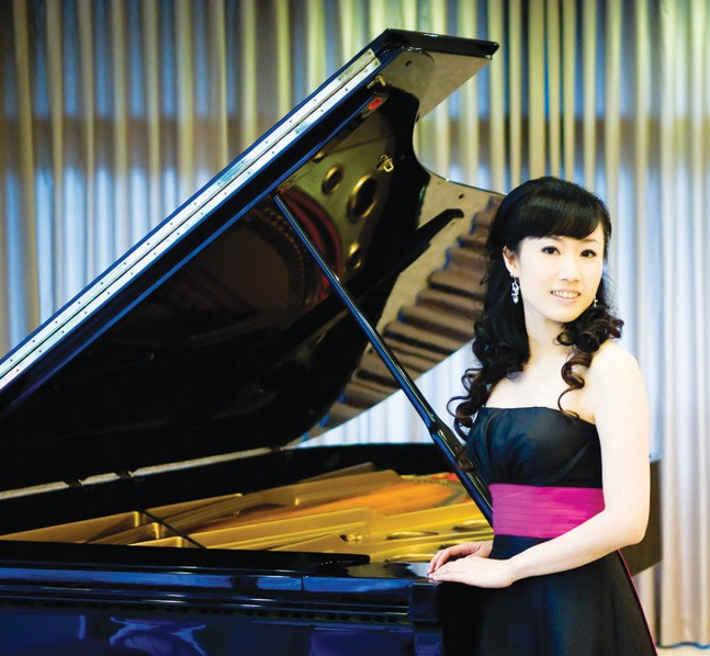 Ching-Ming Cheng will be piano soloist for the performance of Beethoven's Choral Fantasy.