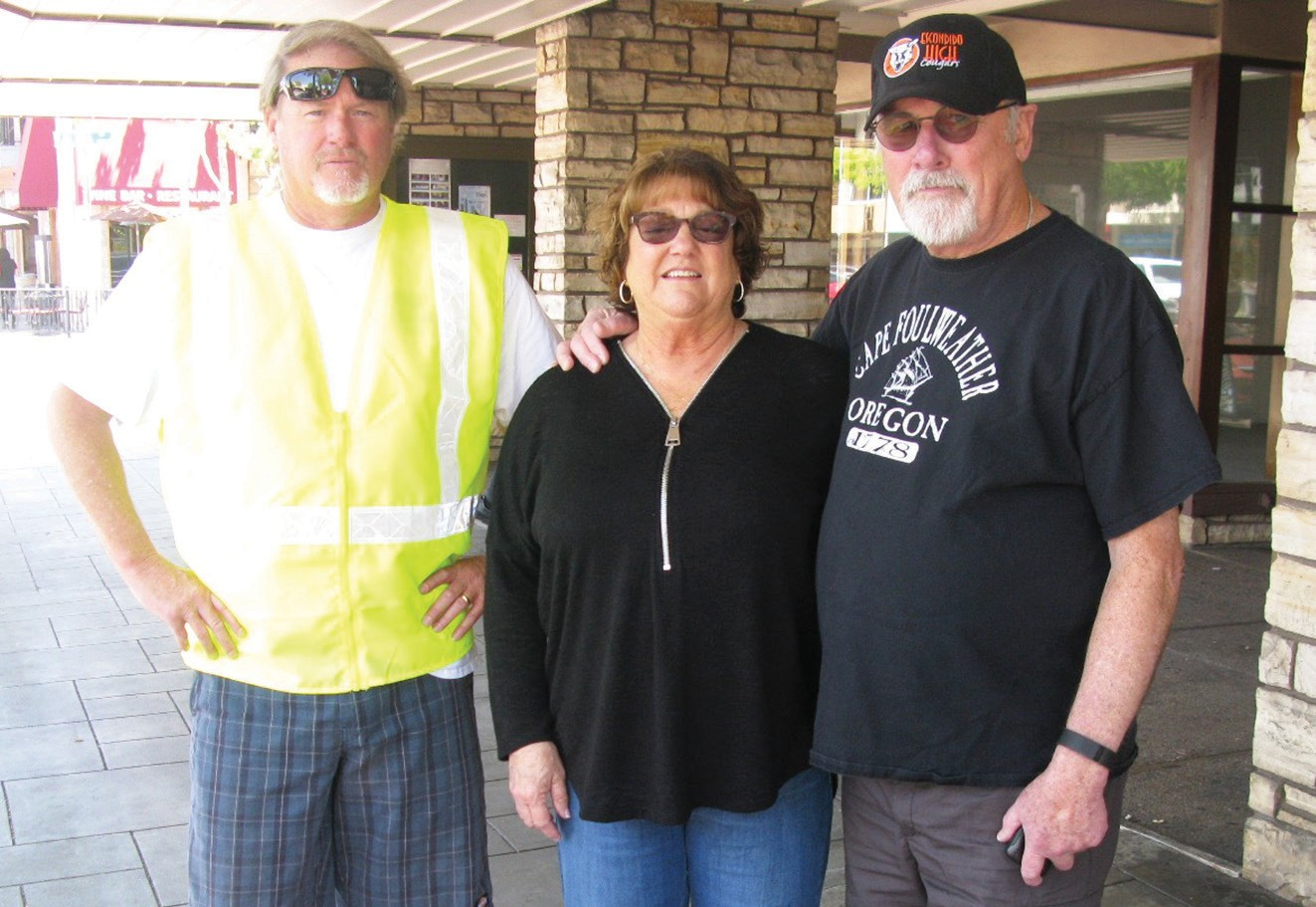Steve Waldron, left, paused to talk to Escondido High School alums and longtime Escondido residents Chris & Dennis Bahen, who headed south from their home in Oregon for Escondido High School's 55th alumni reunion.