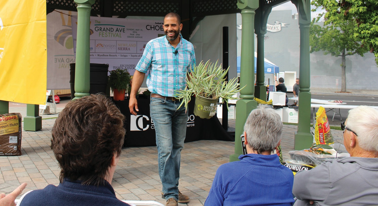 TV personality Ahmed Hassan provided hands-on information on gardening and landscaping Sunday.