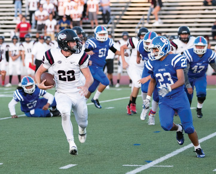 Tireless back Ty Patterson, carried 44 times against HC and rung up 220 yards on the ground. Photo by Lenny Kerbs
